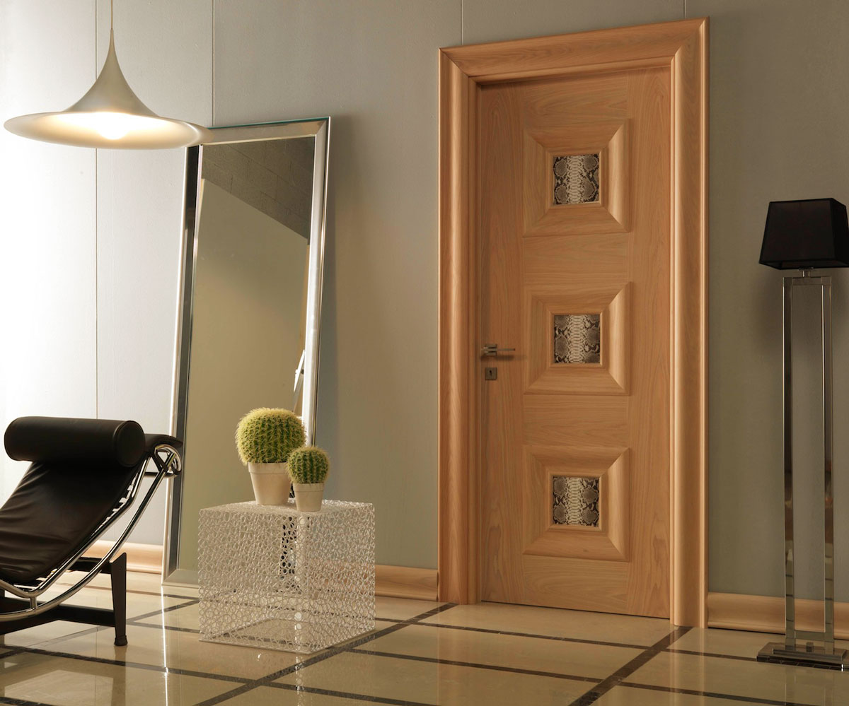 Дверь с ПВХ покрытием в ванную