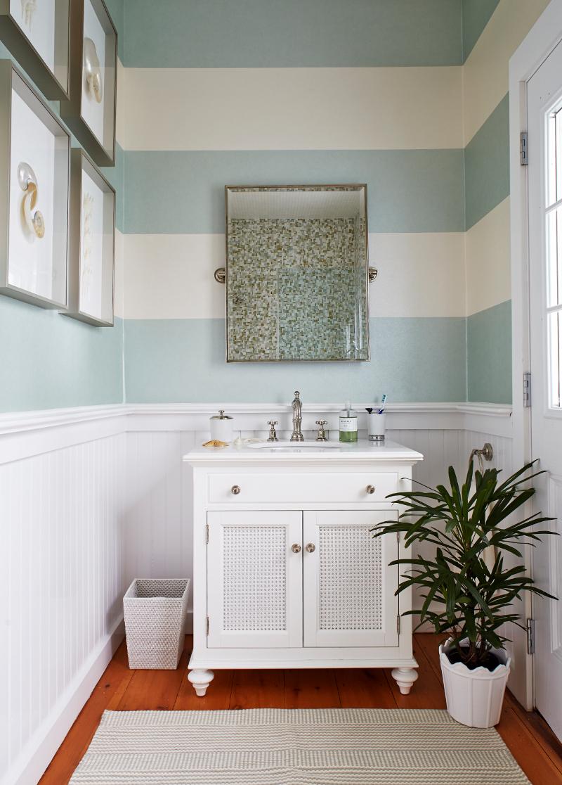 Покраска стен в ванной эмалью