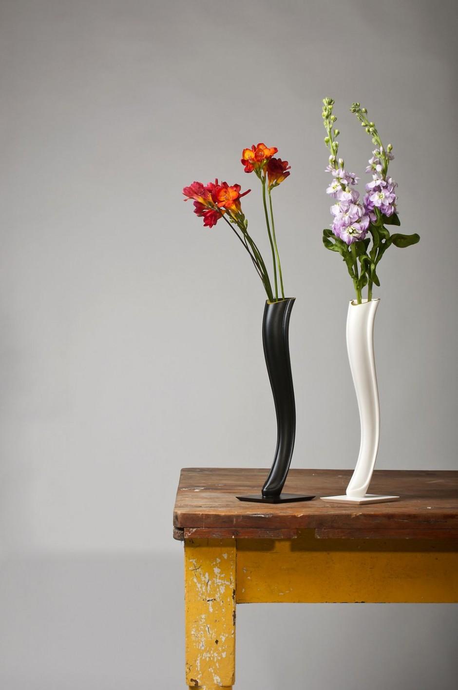Маленькие фарфоровые настольные вазы