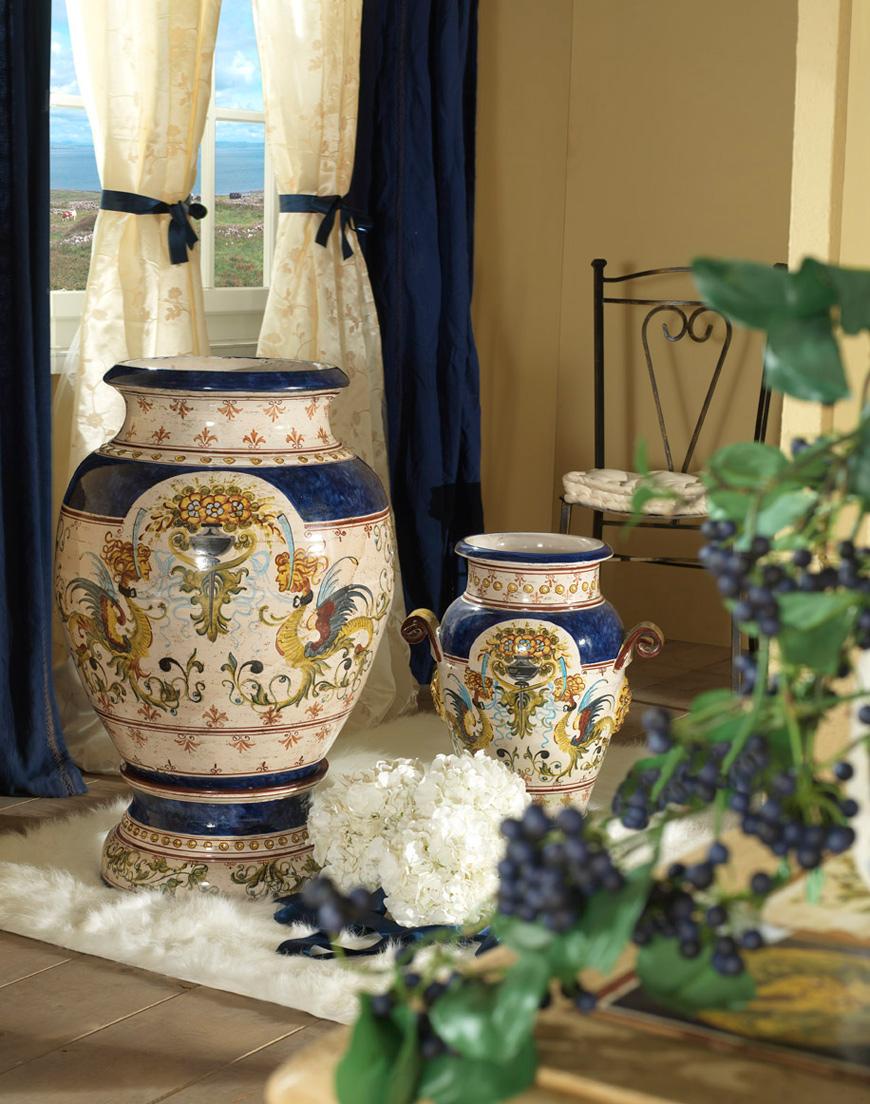 Напольные фарфоровые вазы в интерьере