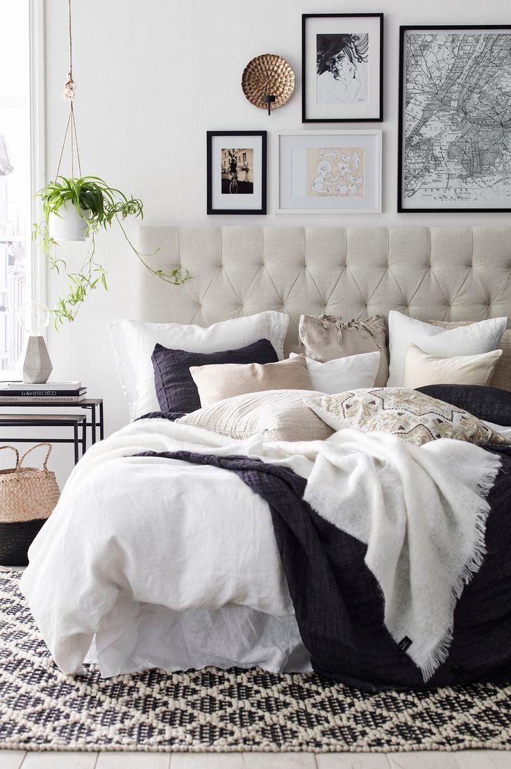 Кровать с мягким изголовьем в интерьере