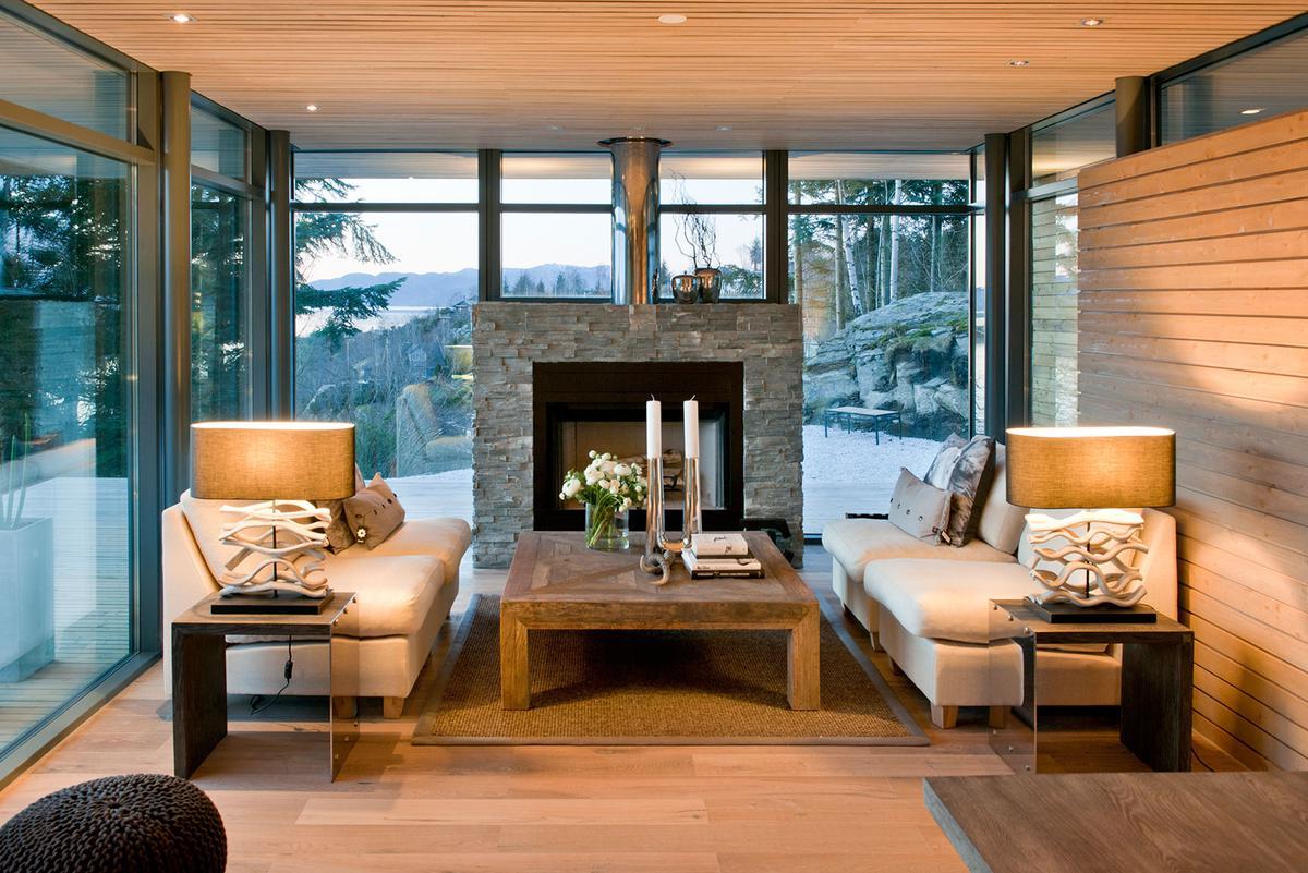 Уютная гостиная в стиле модерн с камином