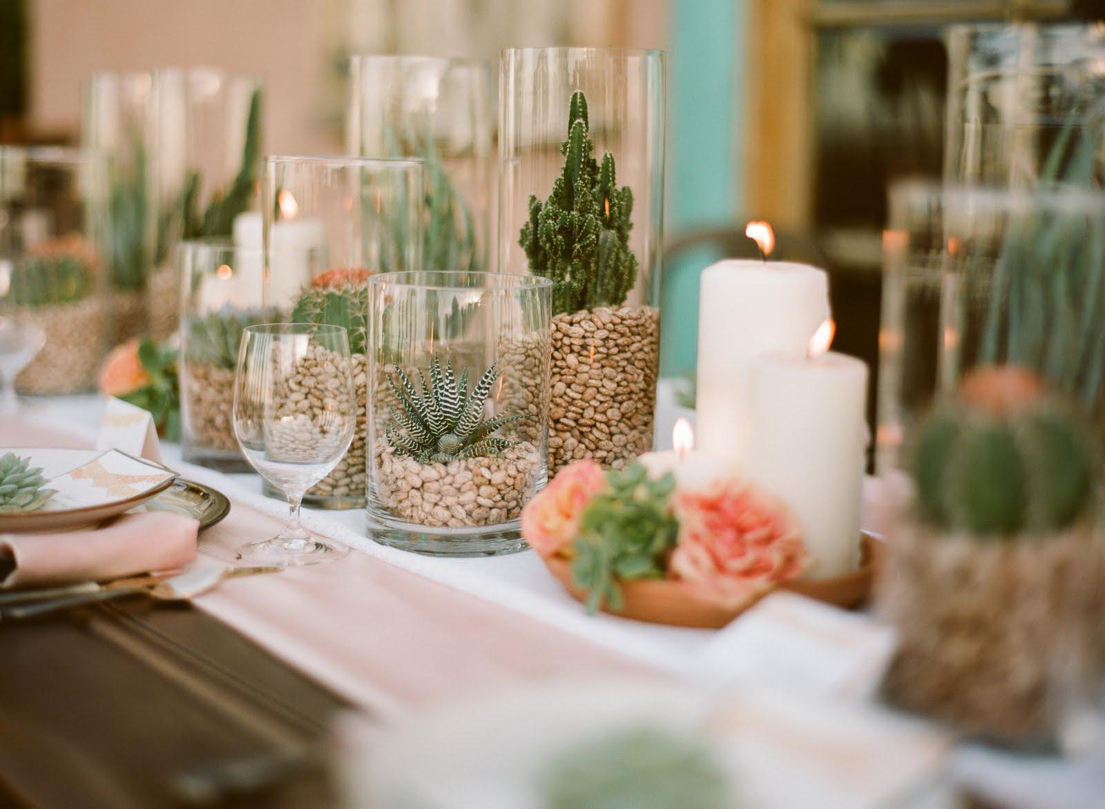 Кактусы в дизайне праздничного стола
