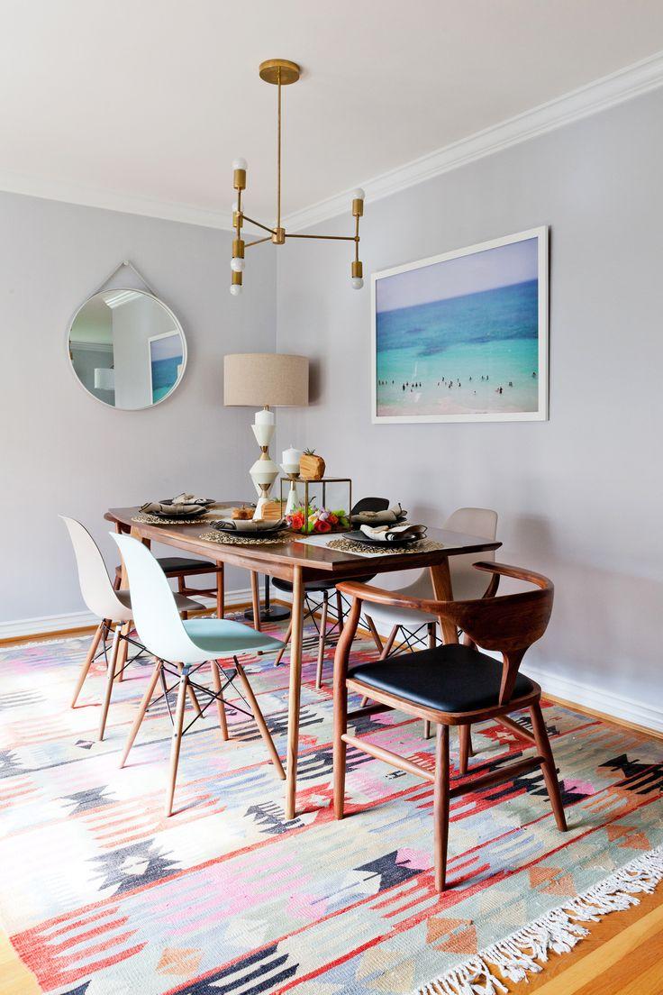 Картина спокойного моря в столовой