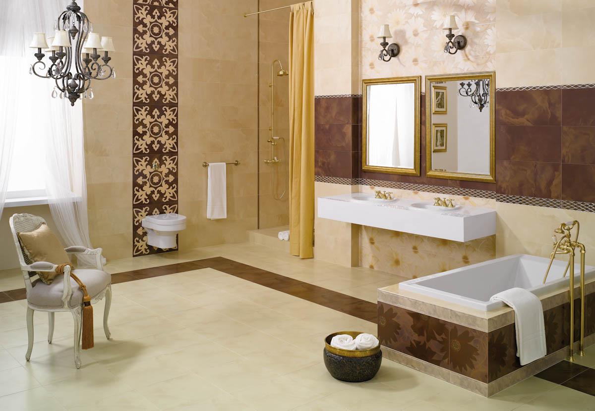 Бежевая ванная комната с комбинированной плиткой