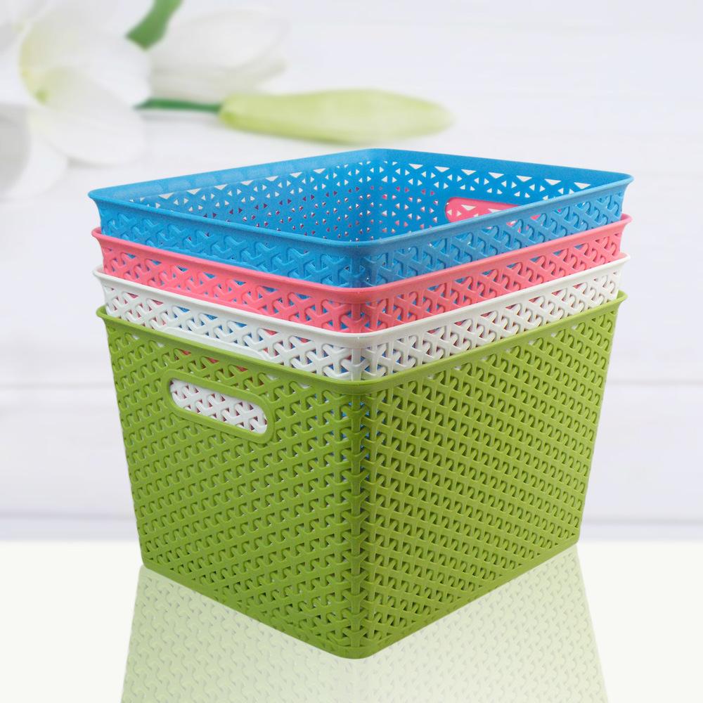 Пластиковые корзины для белья в ванной