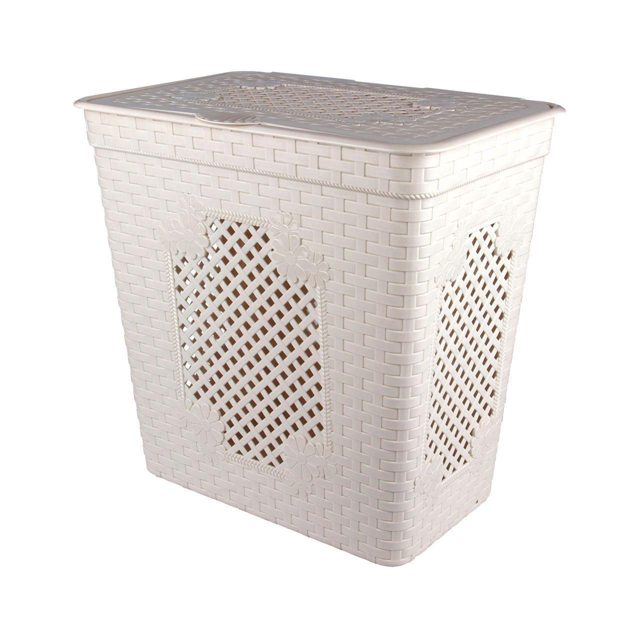 Белая большая корзина для белья в ванной