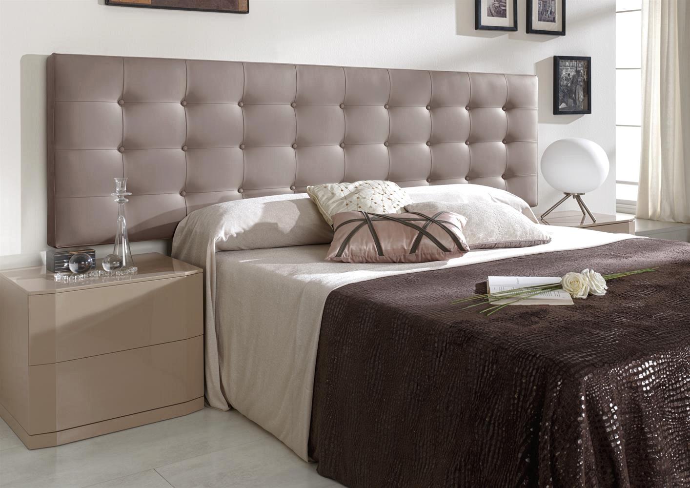Кровать с мягким изголовьем кожаным