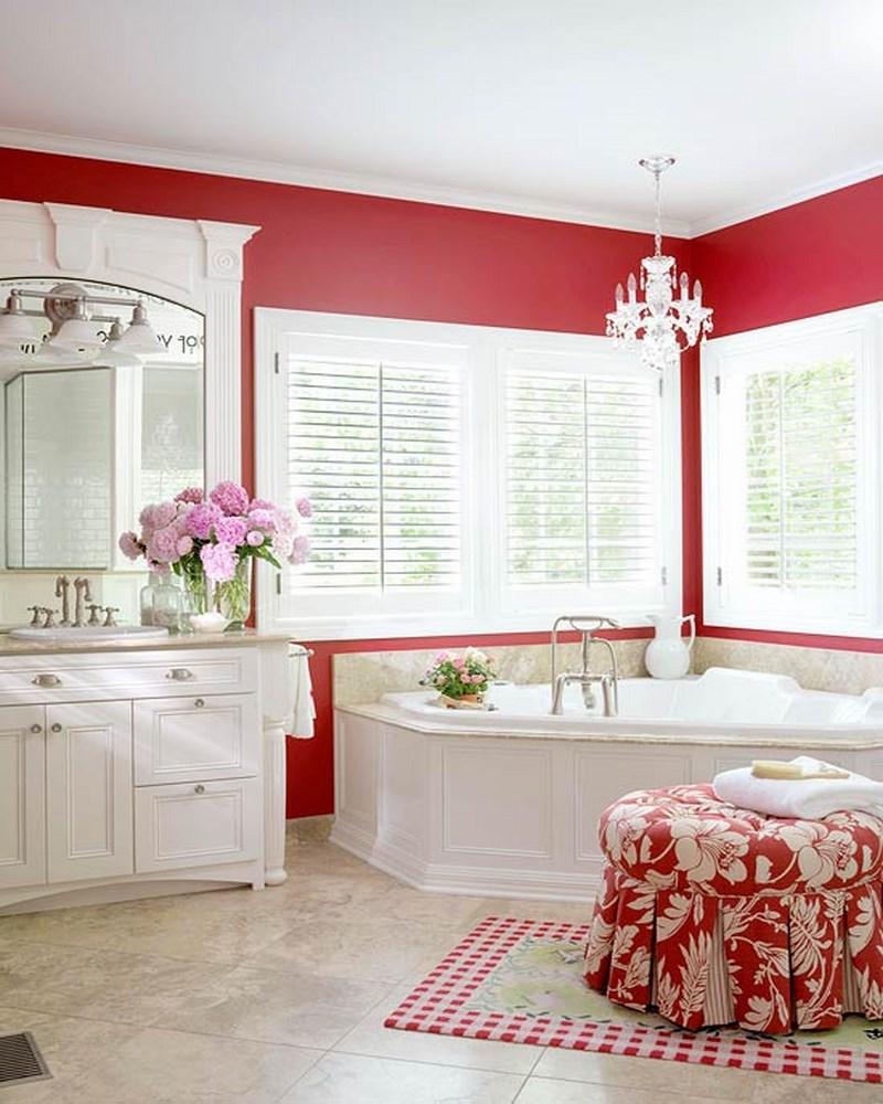 Покраска стен в ванной в красный цвет