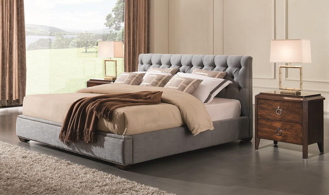 Серая кровать с мягким изголовьем