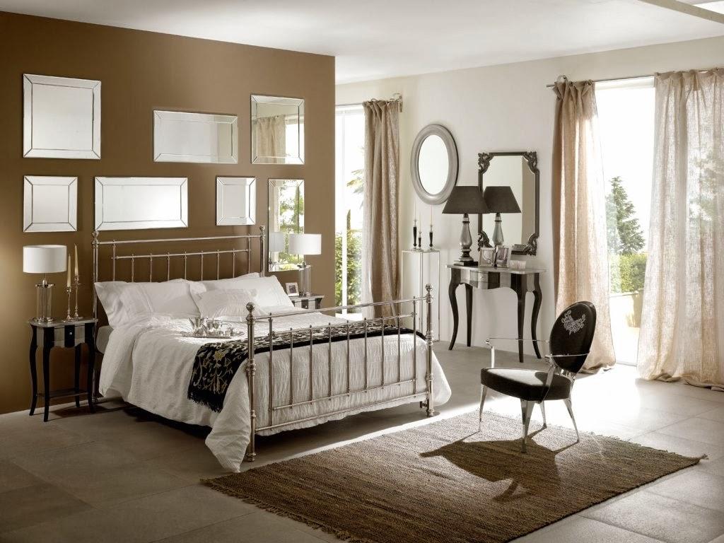 Легкие коричневые льняные шторы в спальне