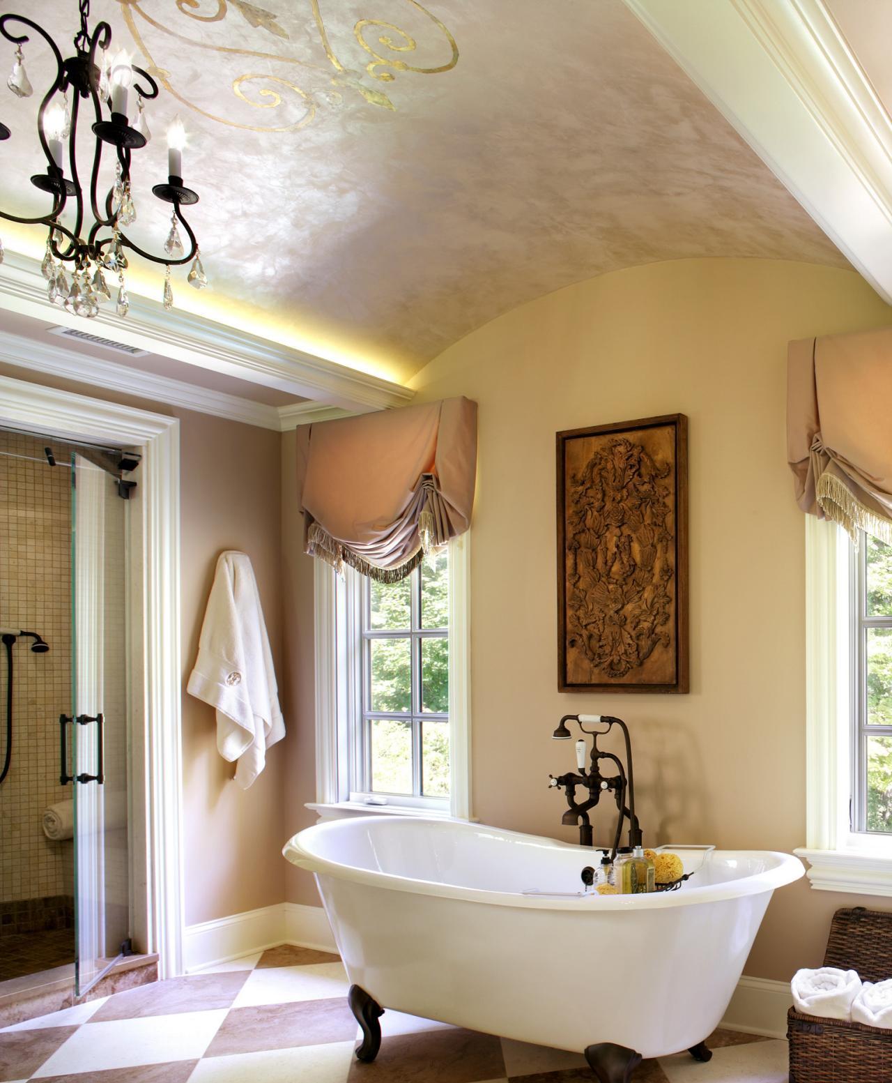 Люстра в стиле классика для ванной