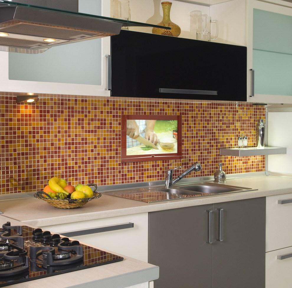 Телевизор на кухню над мойкой