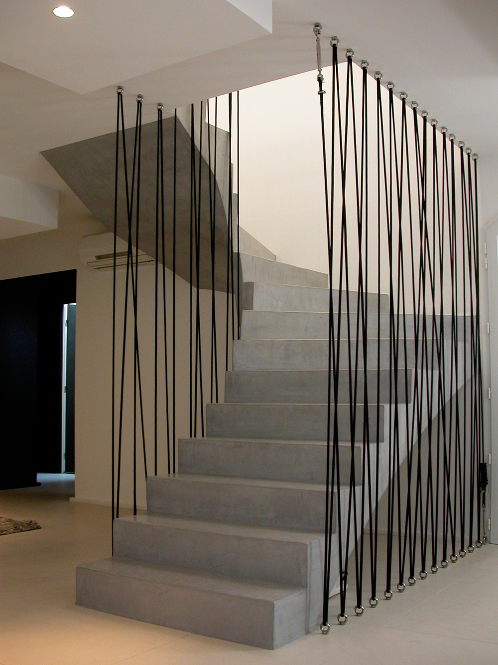 Натяжные перила для лестницы