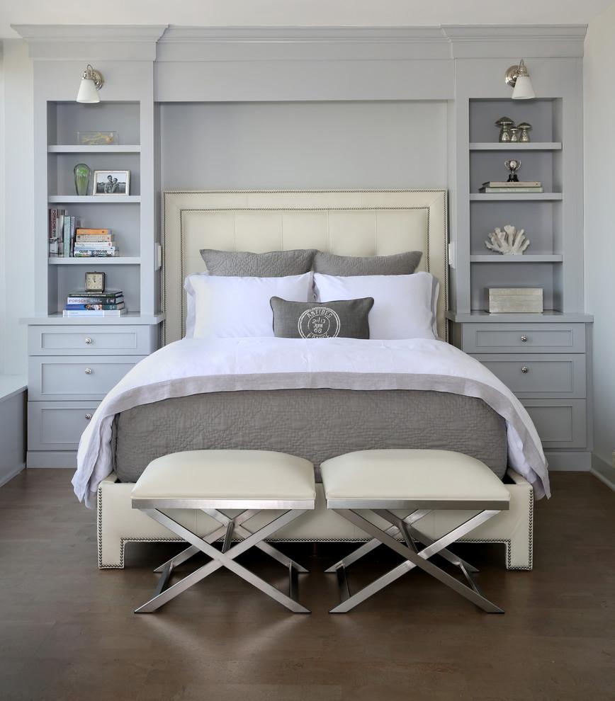 Кровать с мягким изголовьем в неоклассическом стиле
