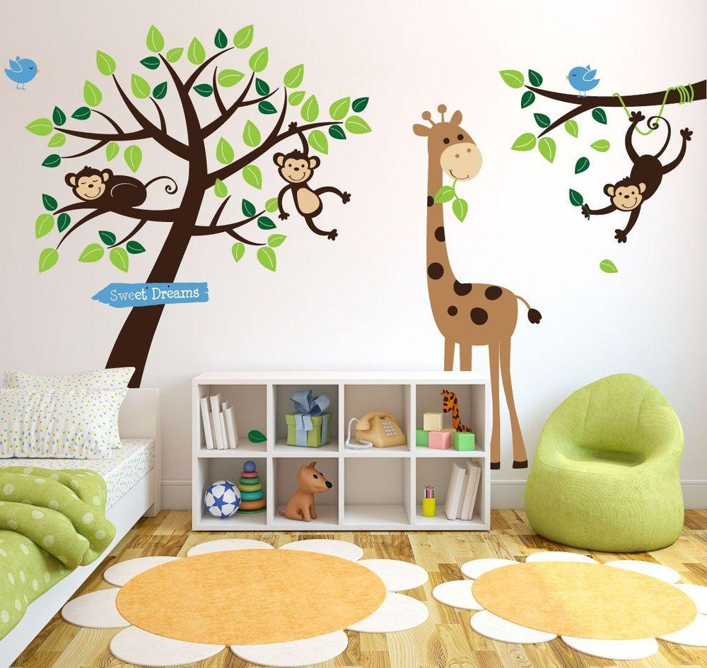 Наклейки животных на стене в детской