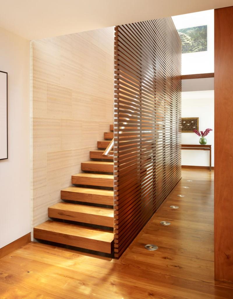 Ограждение для лестницы из деревянных реек