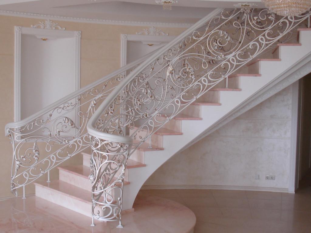 Металлические кованые перила для лестницы