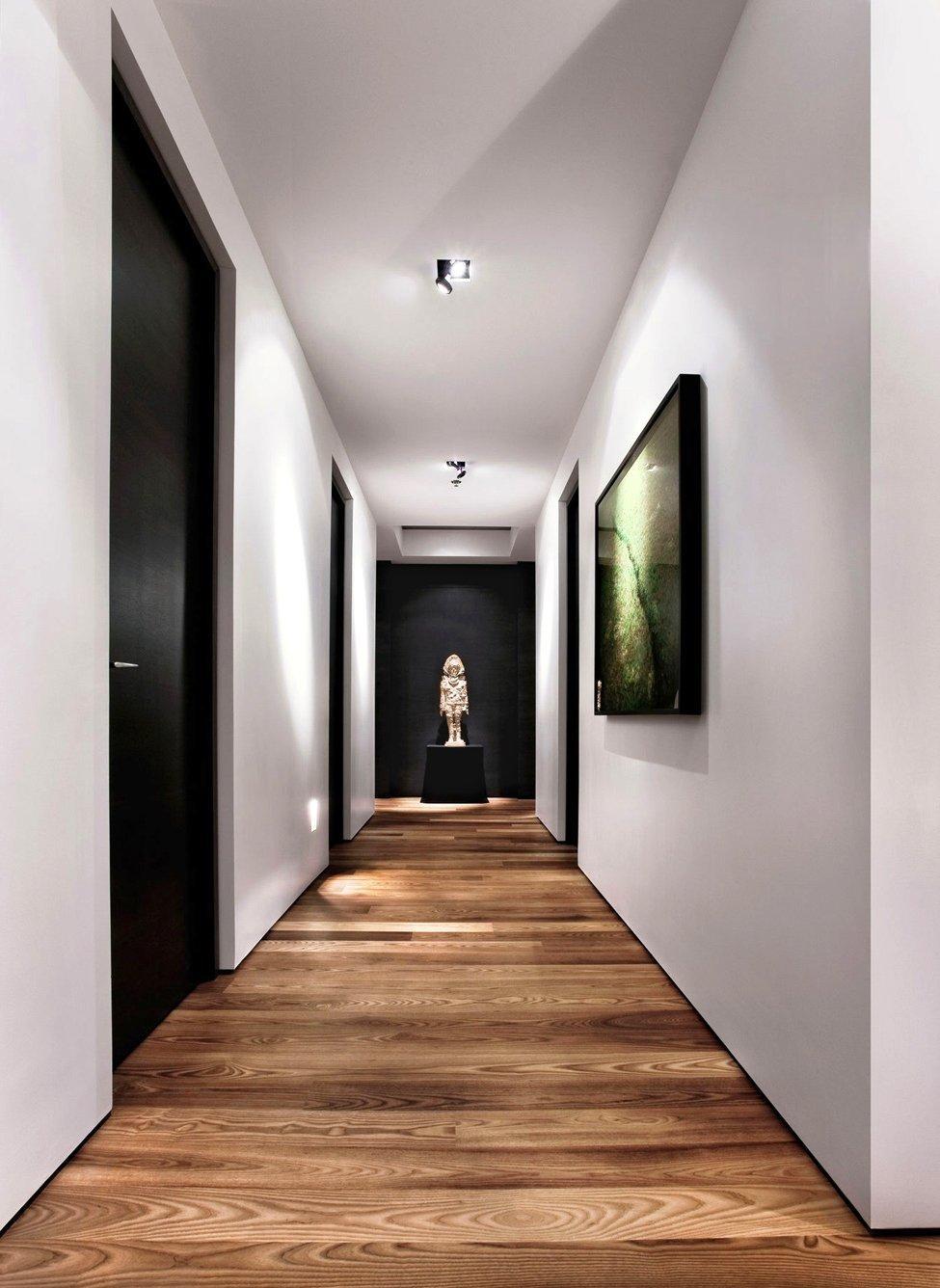 Ламинат под дерево в коридоре