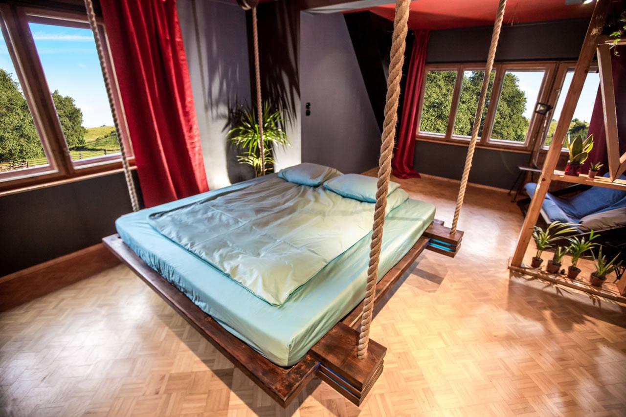 Подвесная кровать в эко стиле