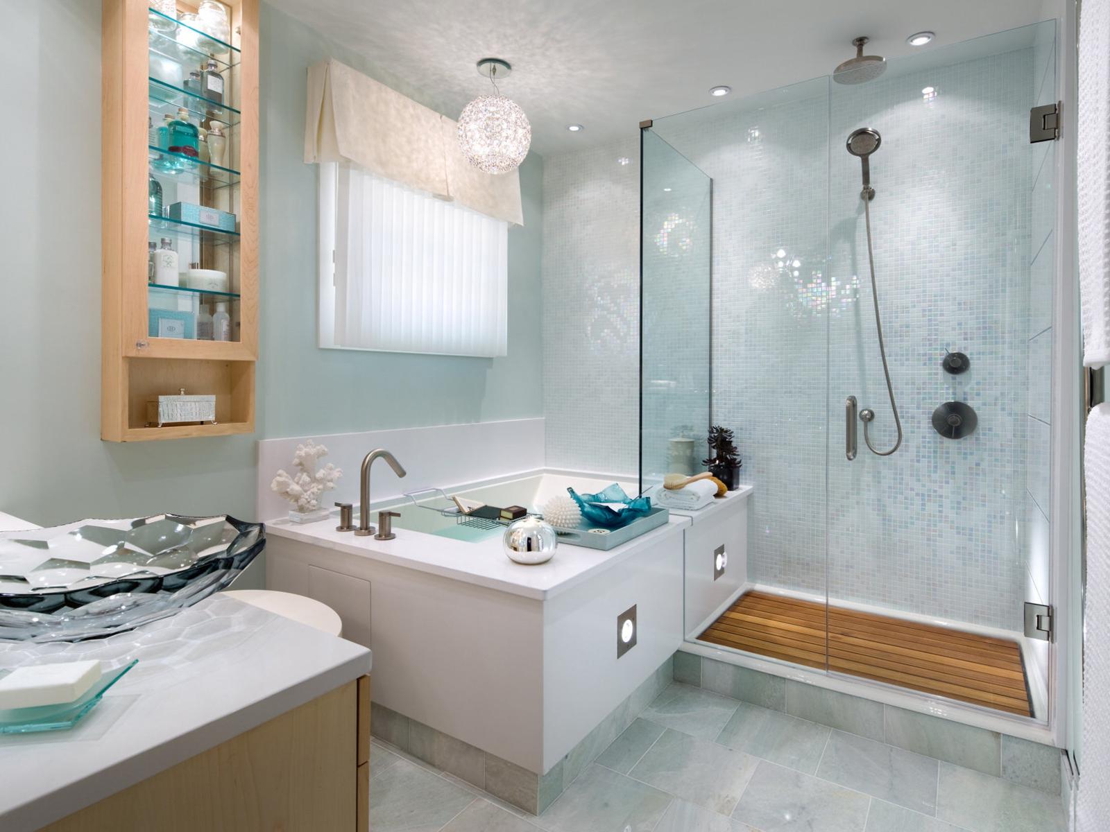 Мятные крашеные стены в ванной