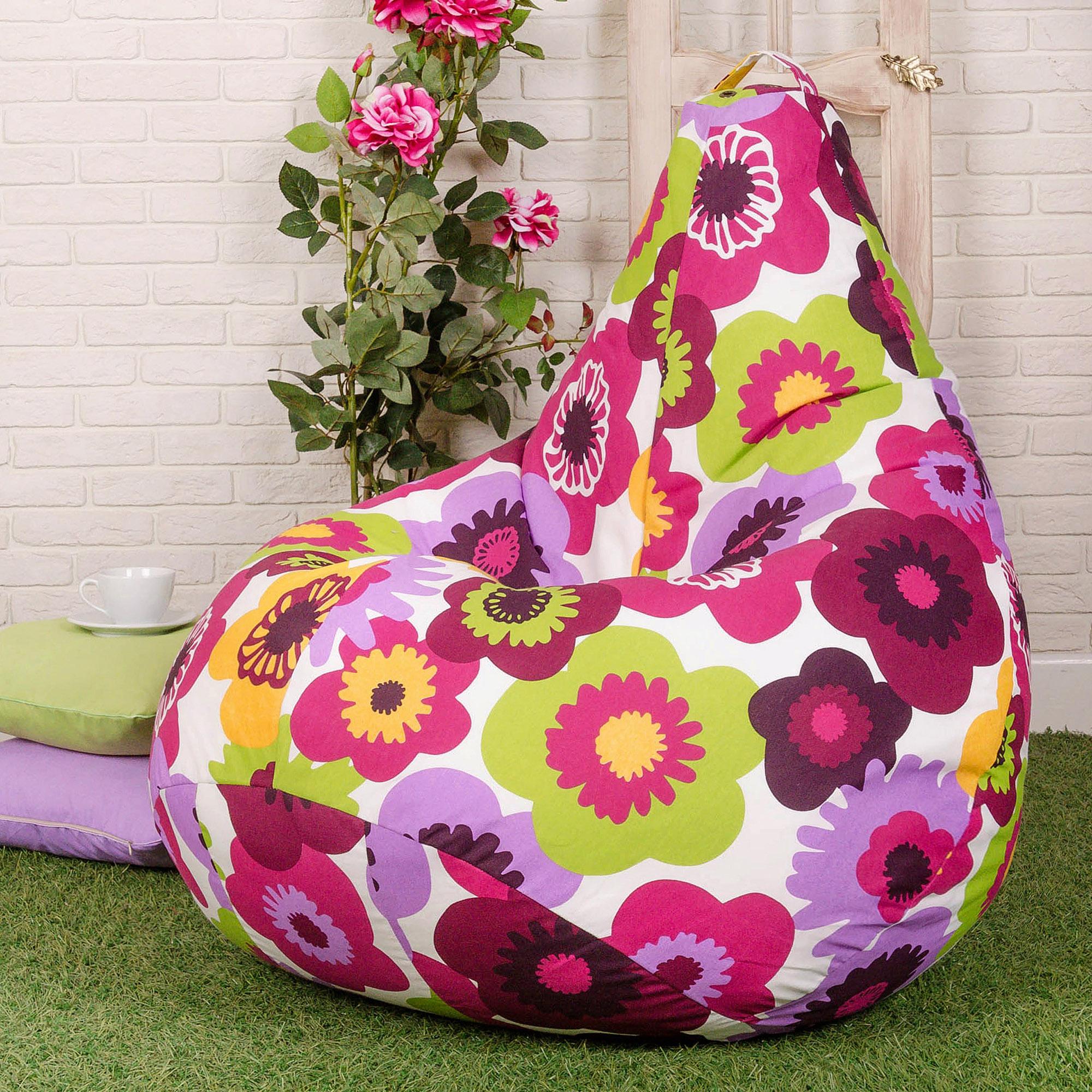 Яркое кресло-мешок в детской