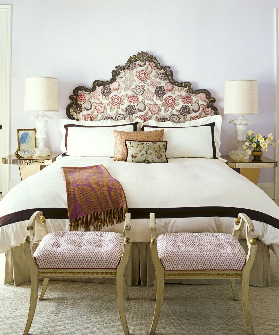 Кровать с мягким изголовьем резным