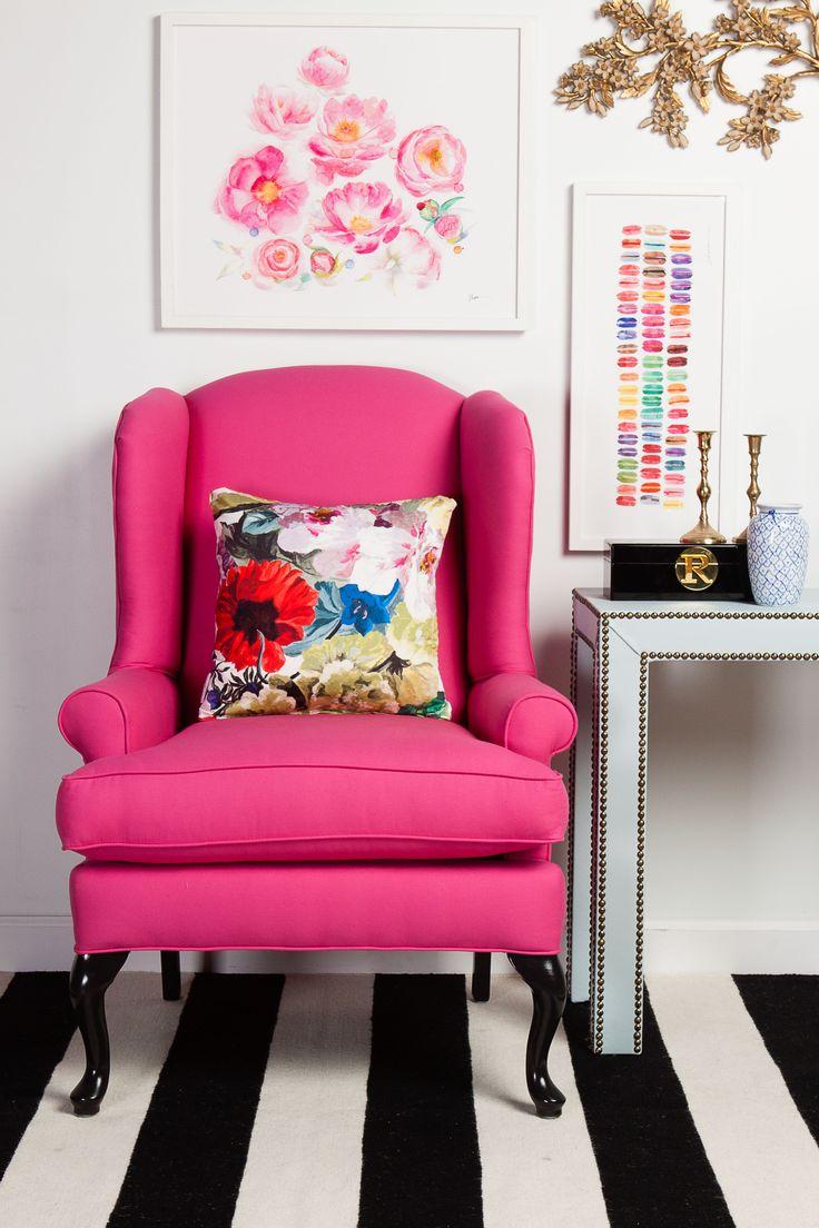 Розовое кресло в интерьере