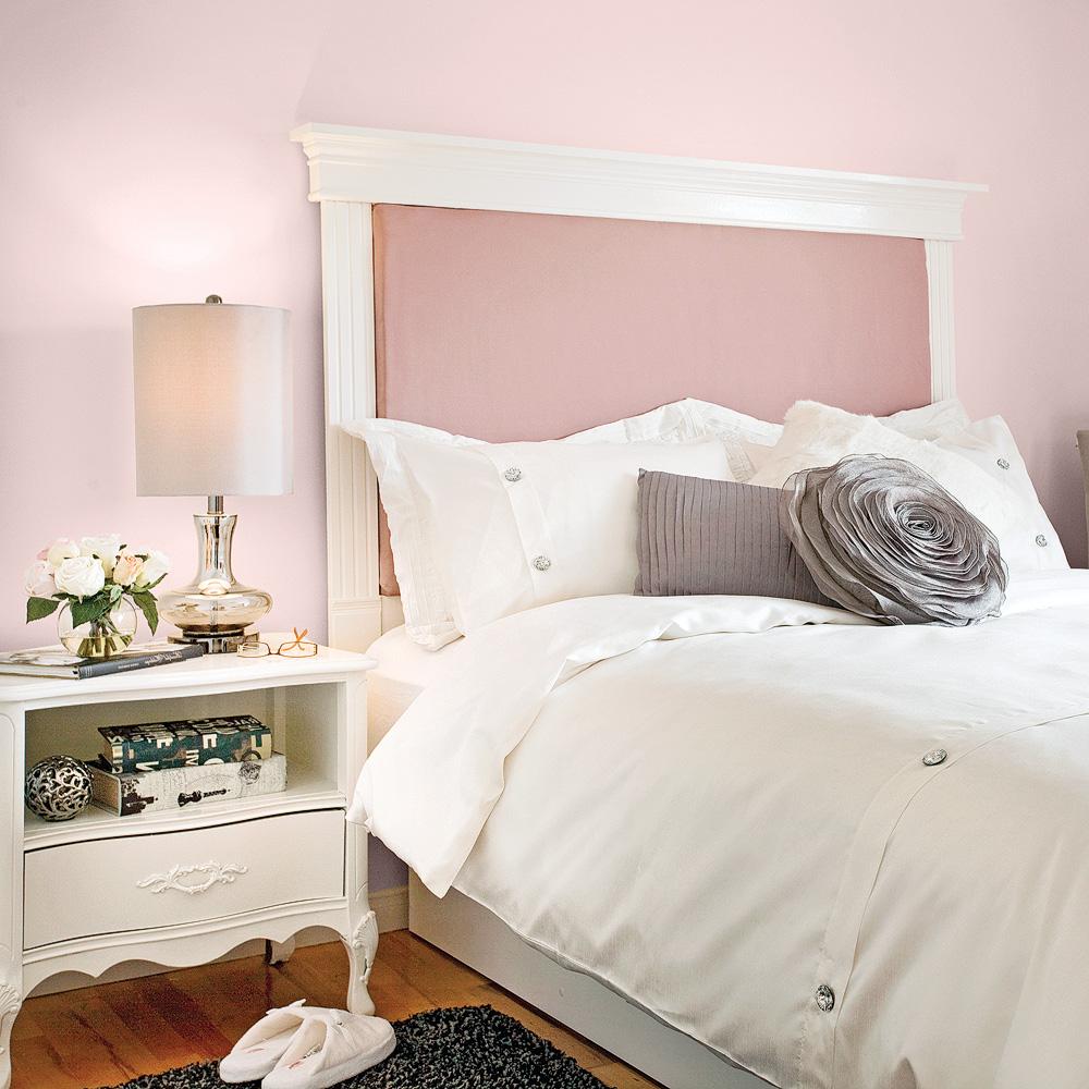 Кровать с мягким изголовьем розовым
