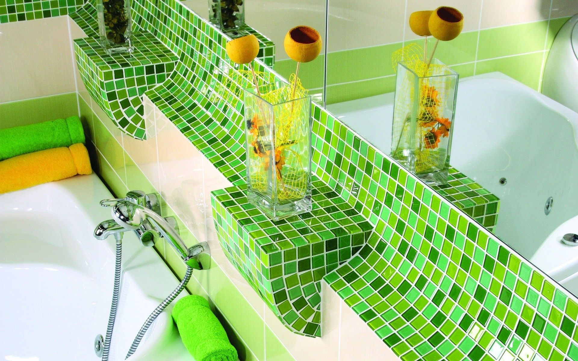 Ванная с салатовой мозаикой в восточном стиле