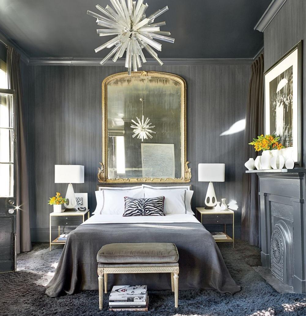 Серая мебель и отделка в спальне
