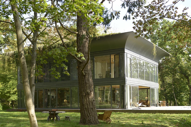 Серый дом в стиле хай тек