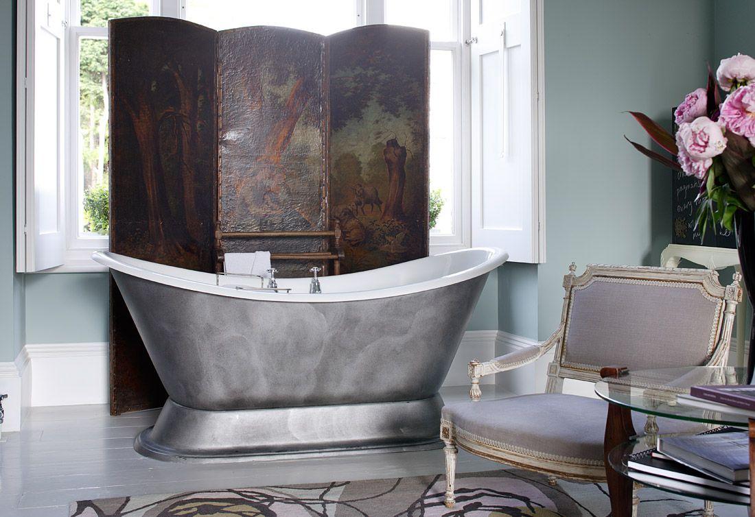 Старинная ширма в ванной