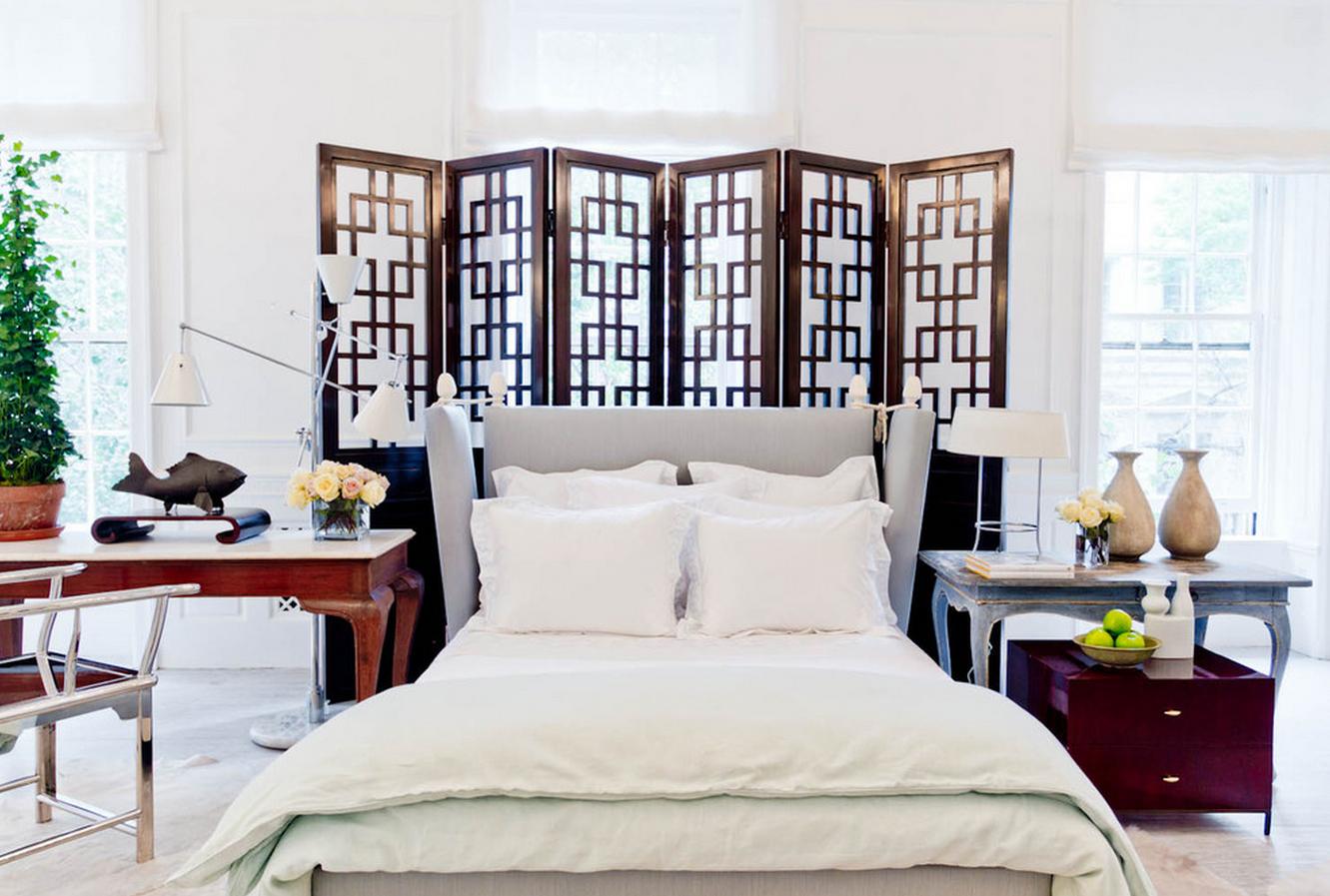 Деревянная ширма в спальне