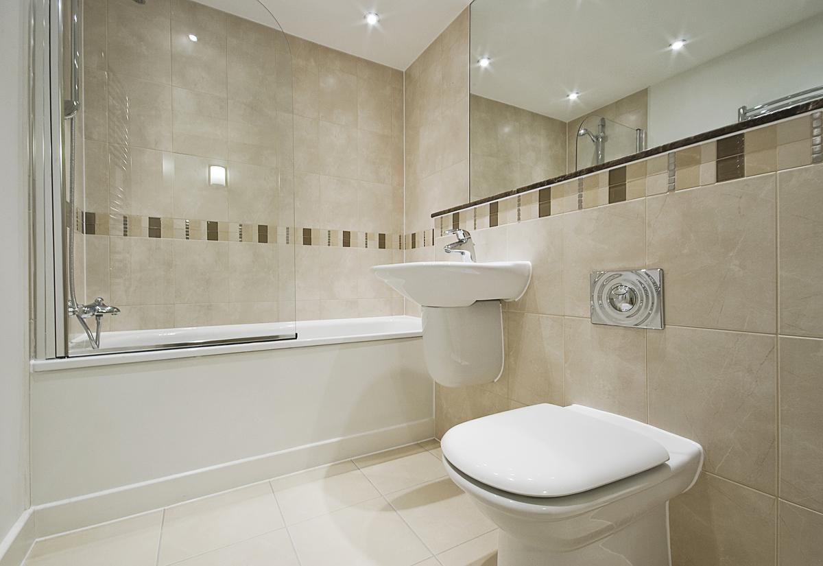 Бежевая ванная комната современная