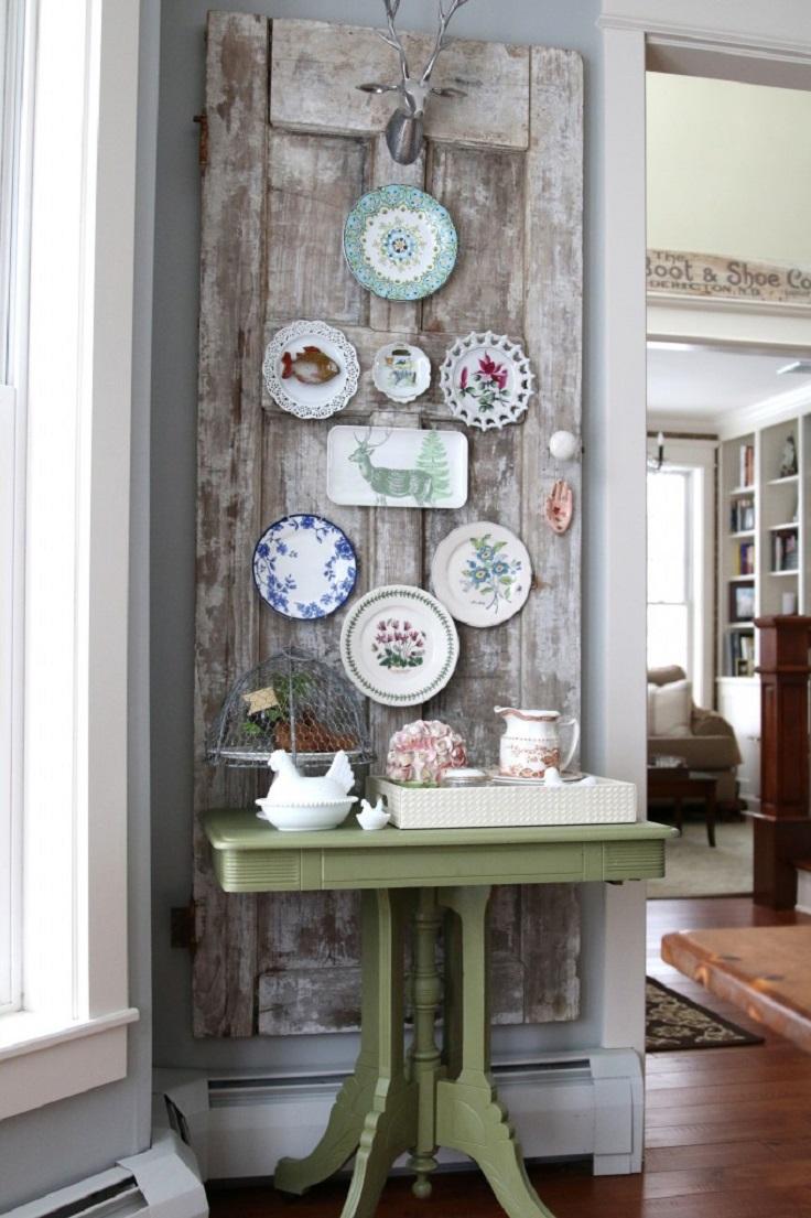 Оригинальные тарелки на стене
