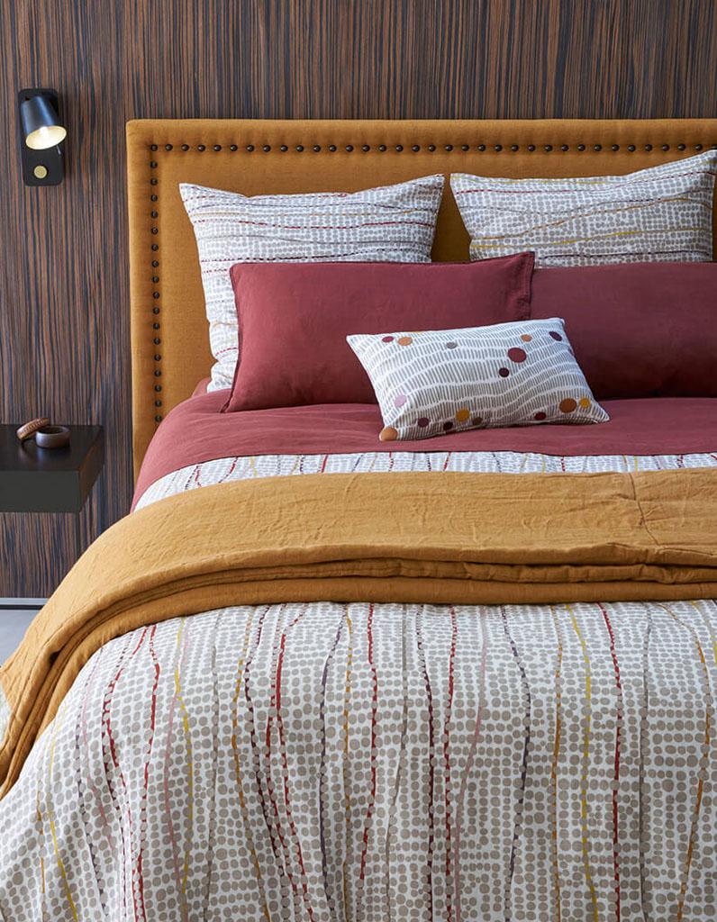 Кровать с мягким изголовьем терракотовым