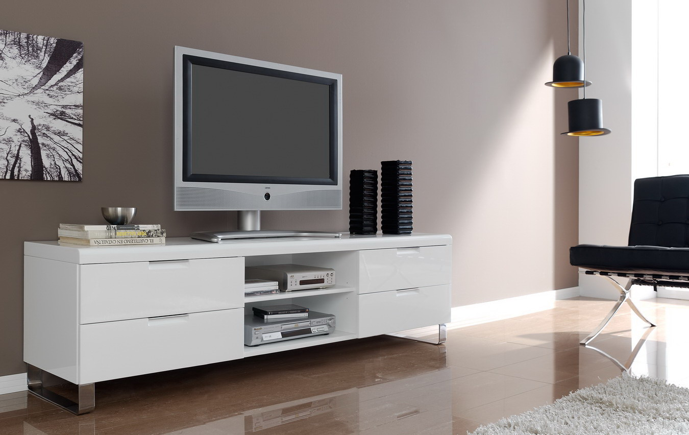 Белая глянцевая тумба под телевизор с металлическими ножками