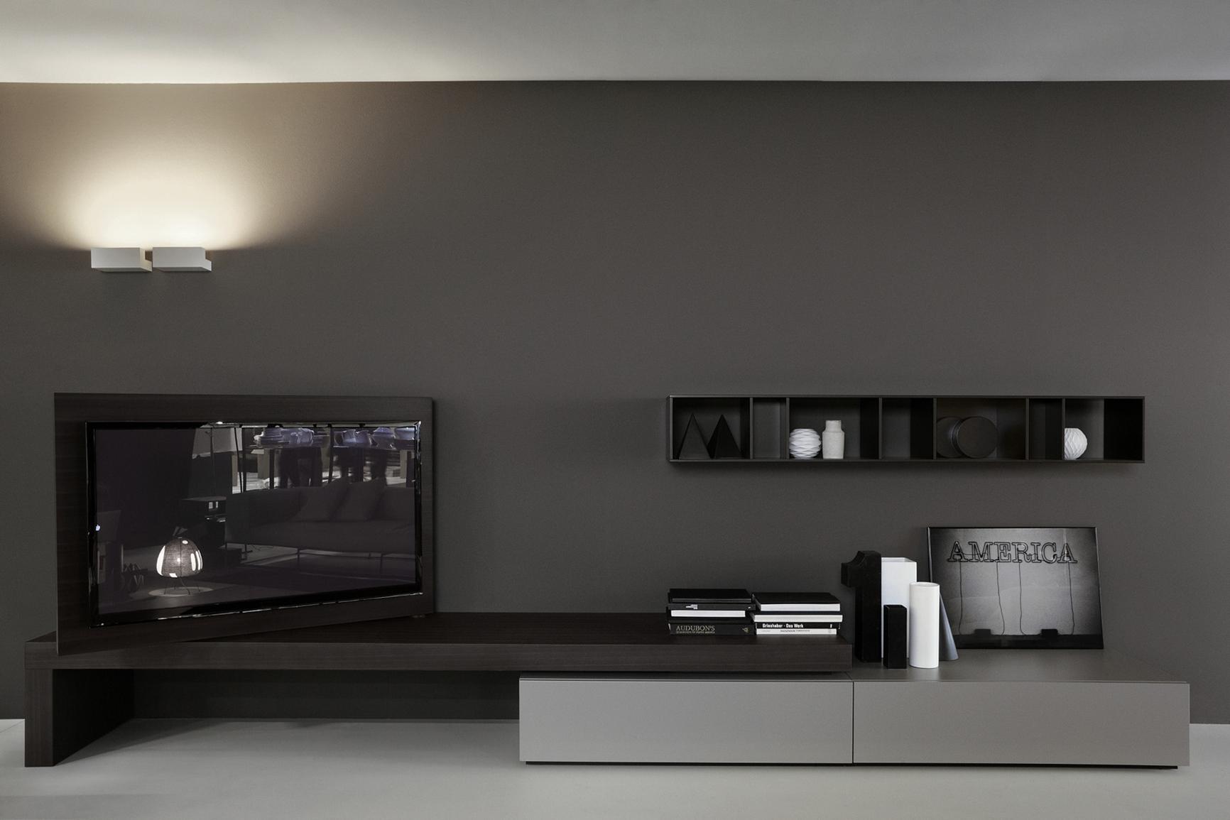 Черно-серая тумба под телевизор в гостиной
