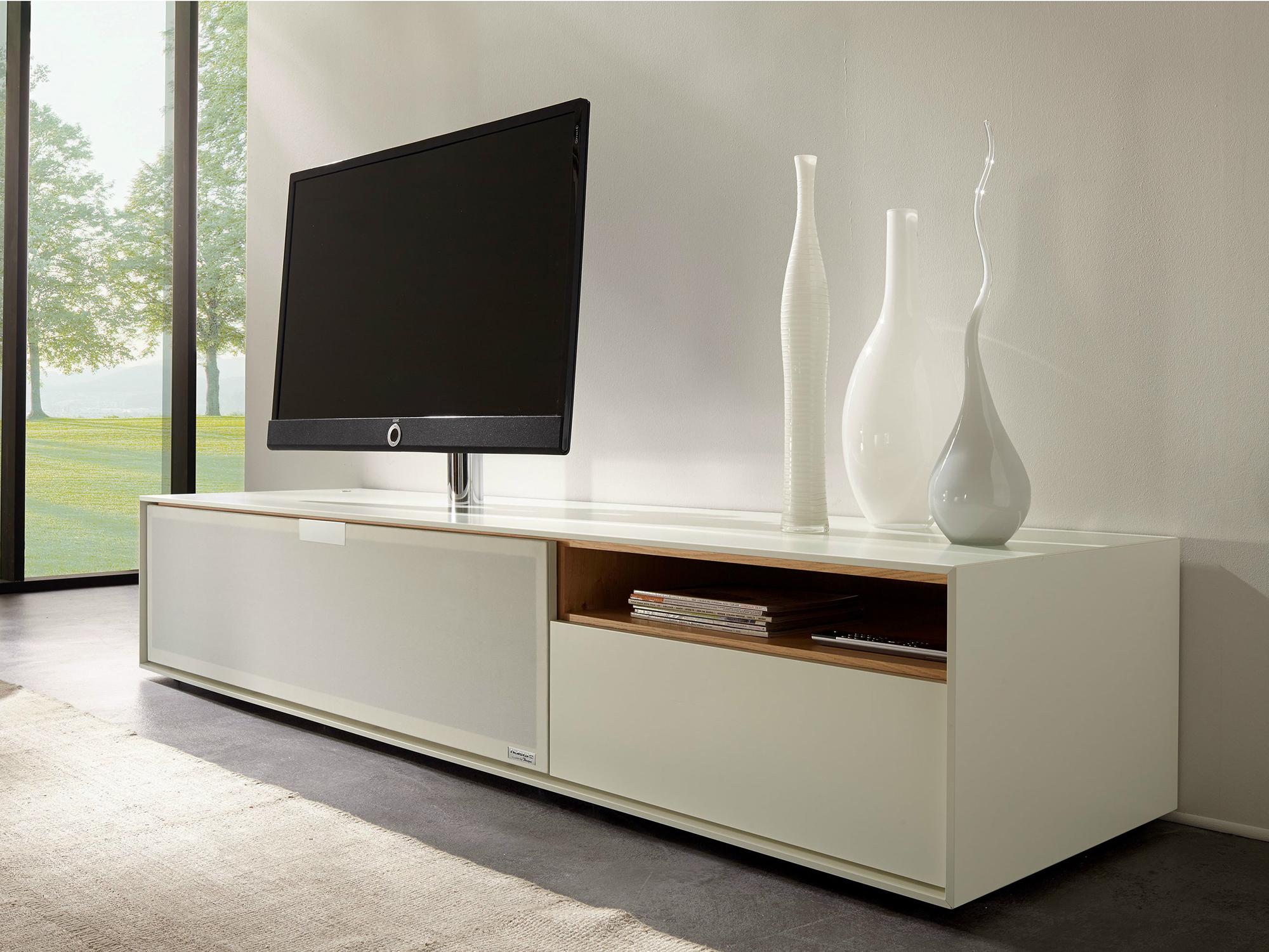 Современная белая тумба под телевизор