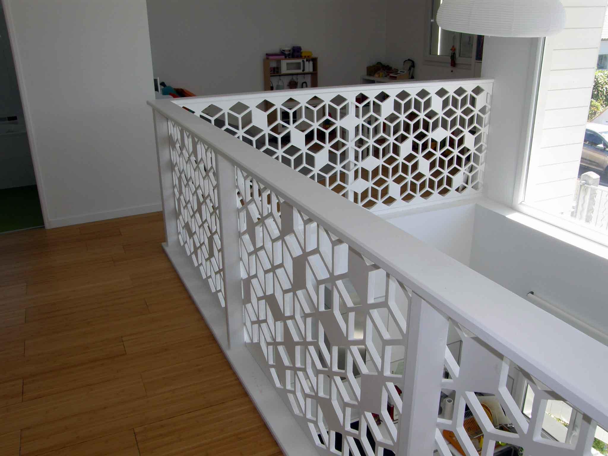 Перила для лестницы с узором