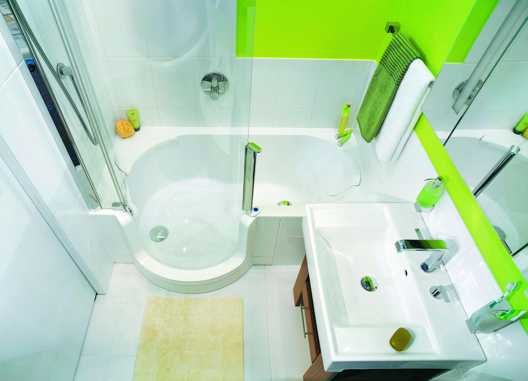 Современная зелено-белая ванная комната без унитаза