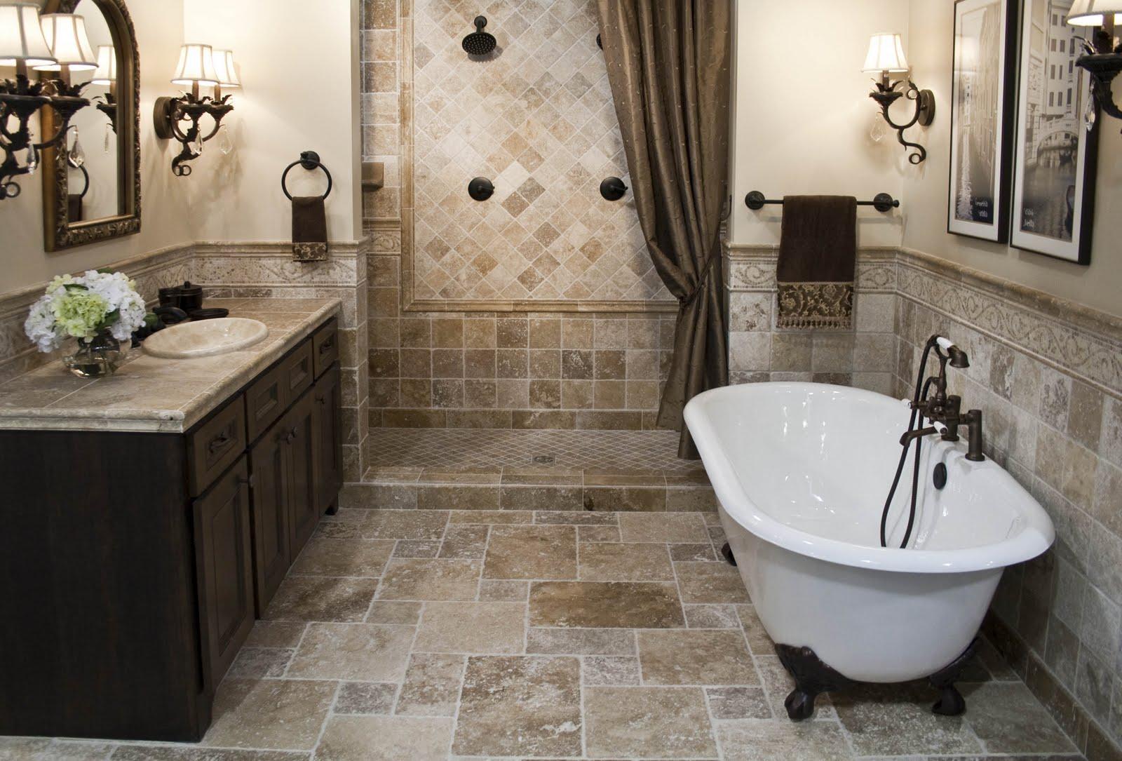 Каменная плитка и краска в отделке ванной