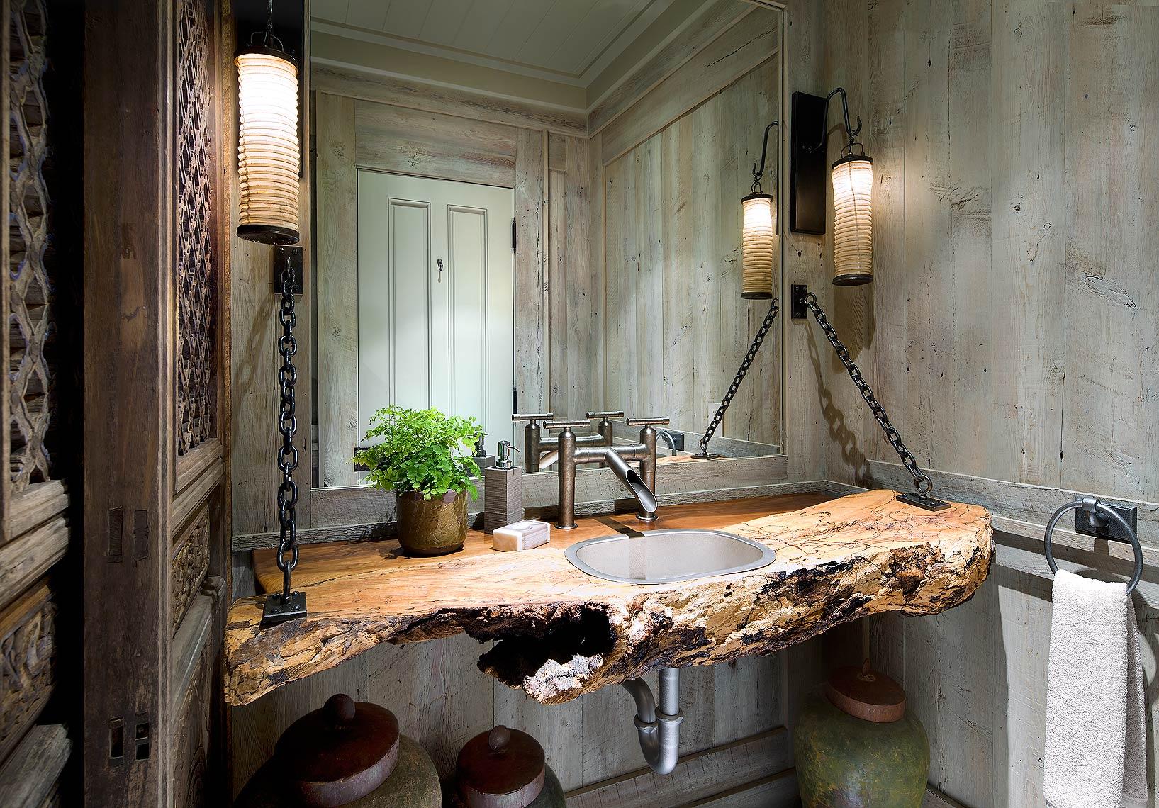 Ванная в стиле лофт с деревянной столешницей
