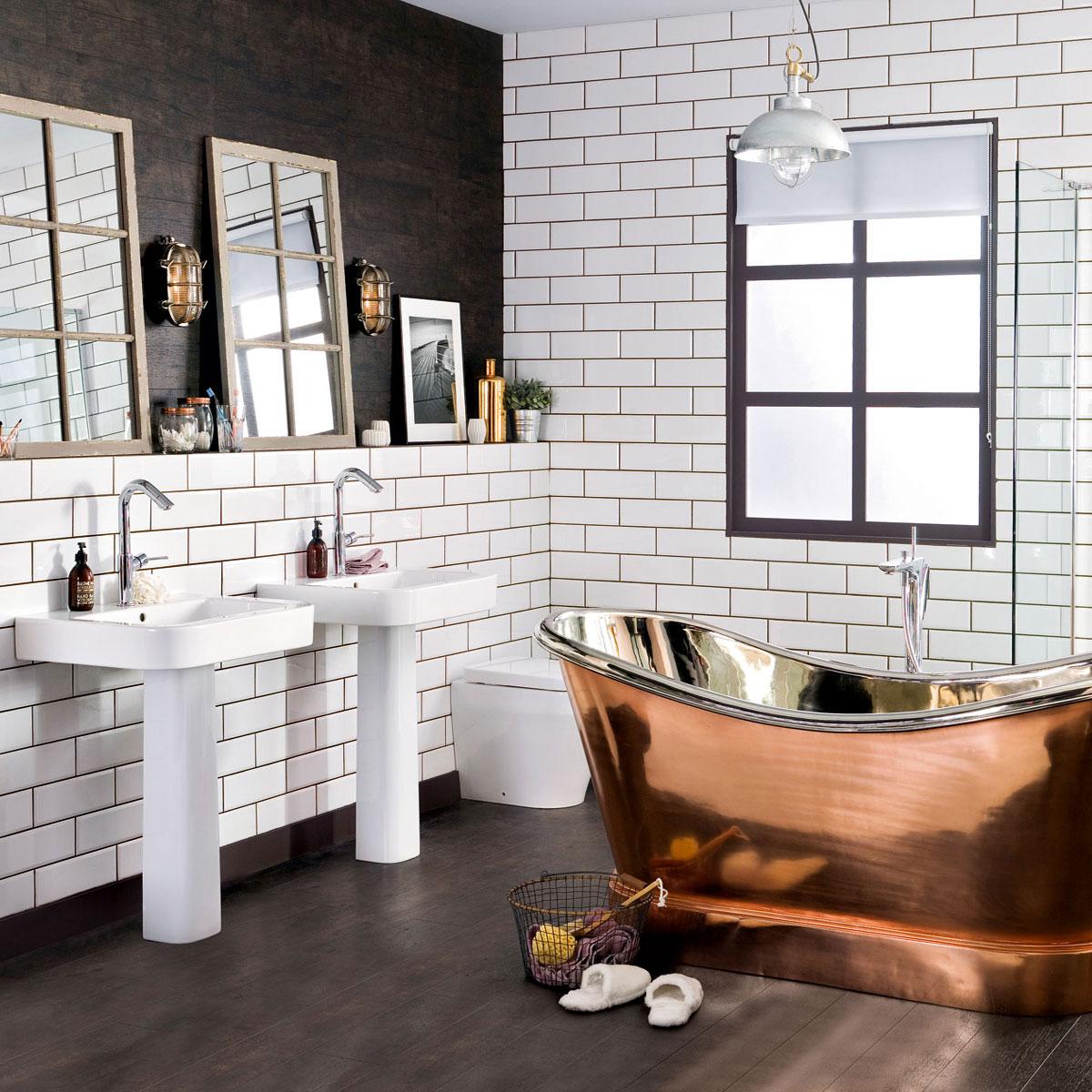 Ванная с белой плиткой в стиле лофт