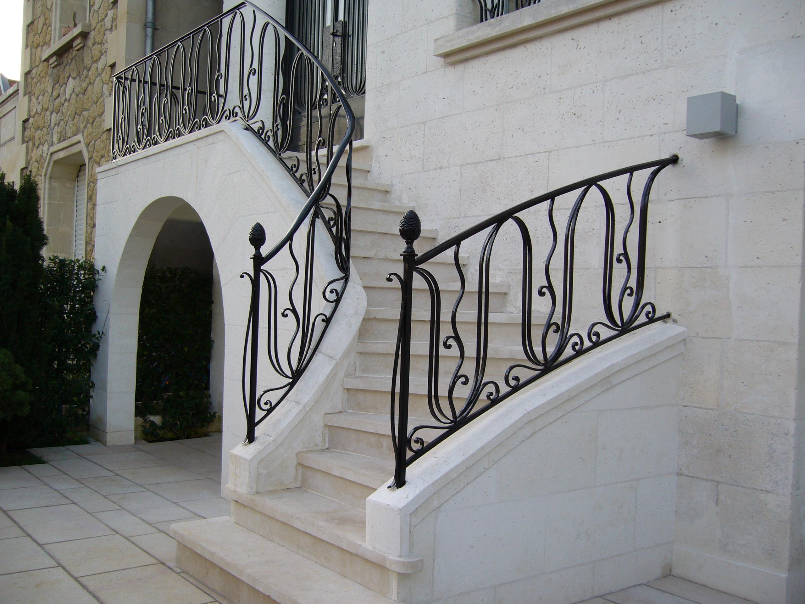 Перила для лестницы на крыльце
