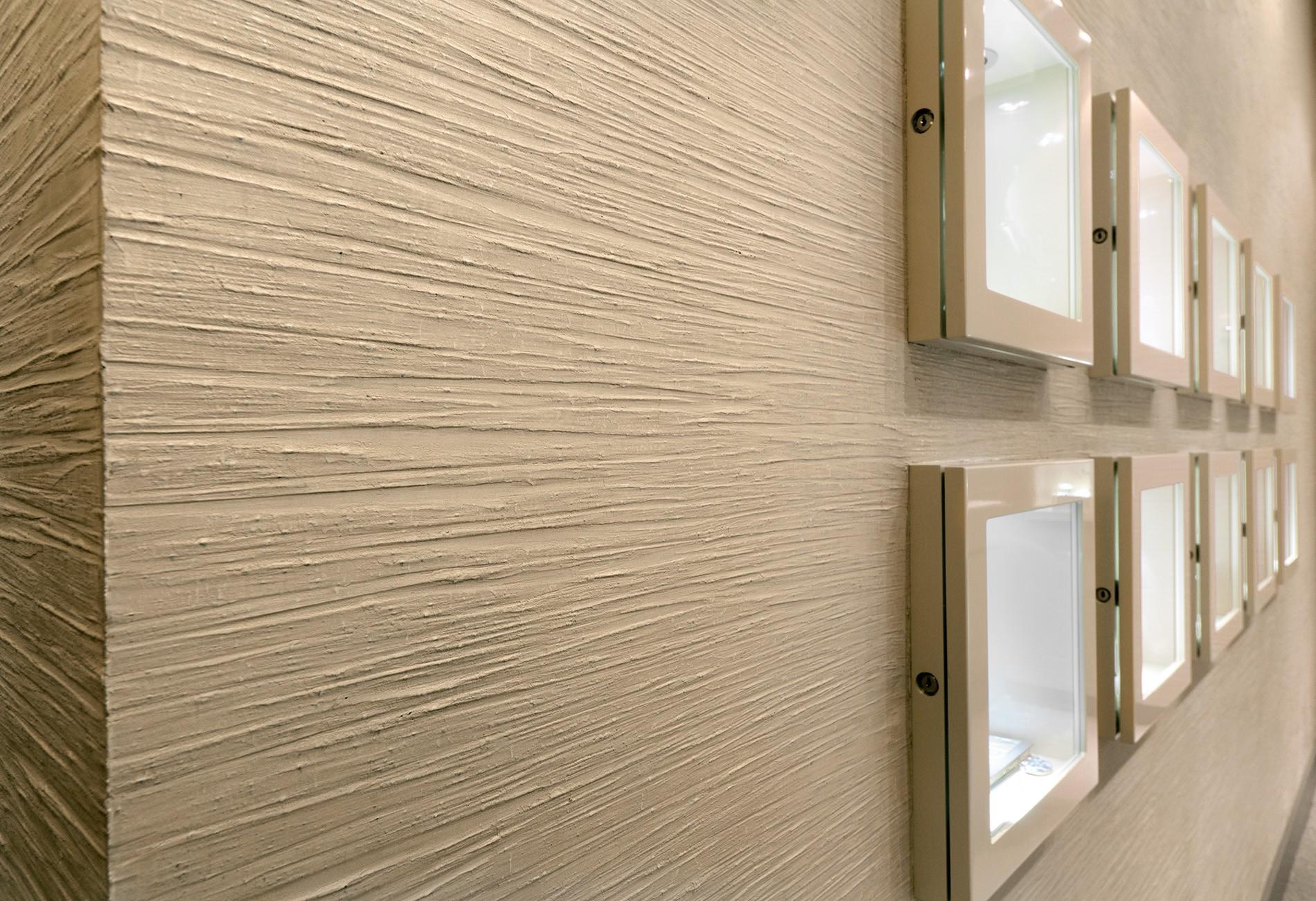 Шпаклевка песочного цвета на стенах