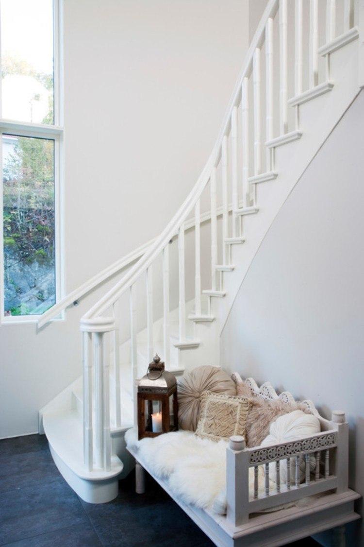 Закругленные перила для лестницы