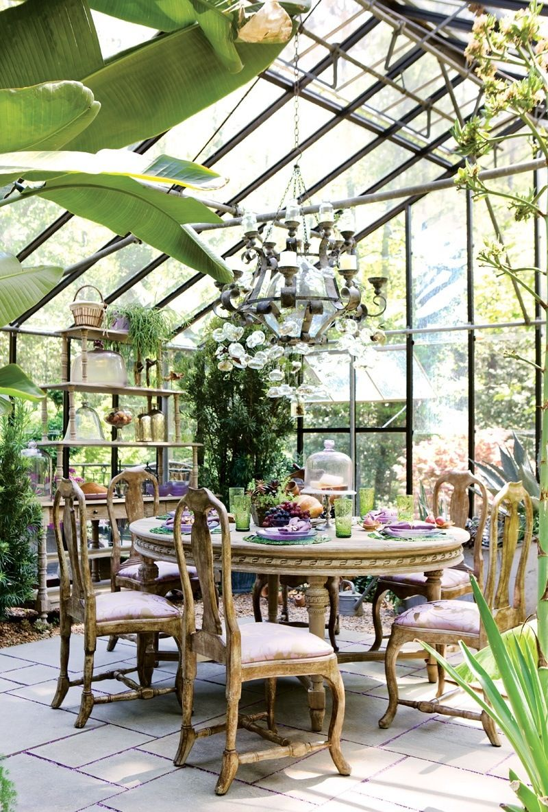 Оригинальный зимний сад в доме