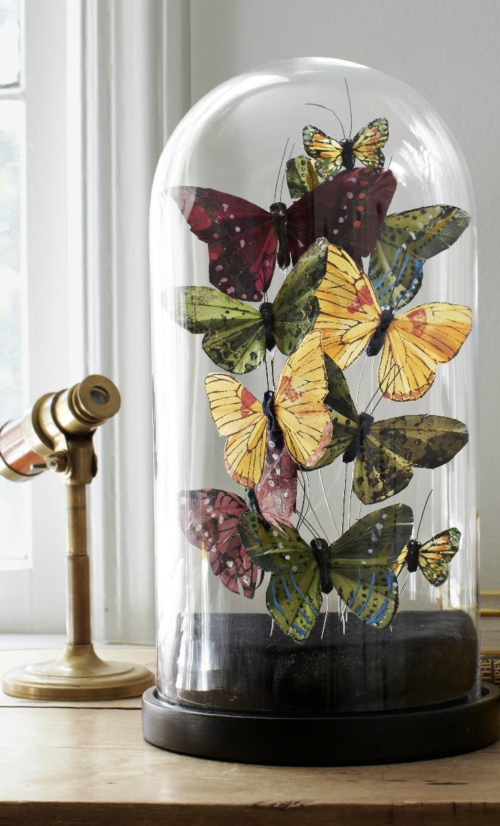 Поделка из бабочек в интерьере
